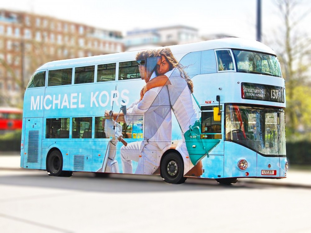 bonnet english bus