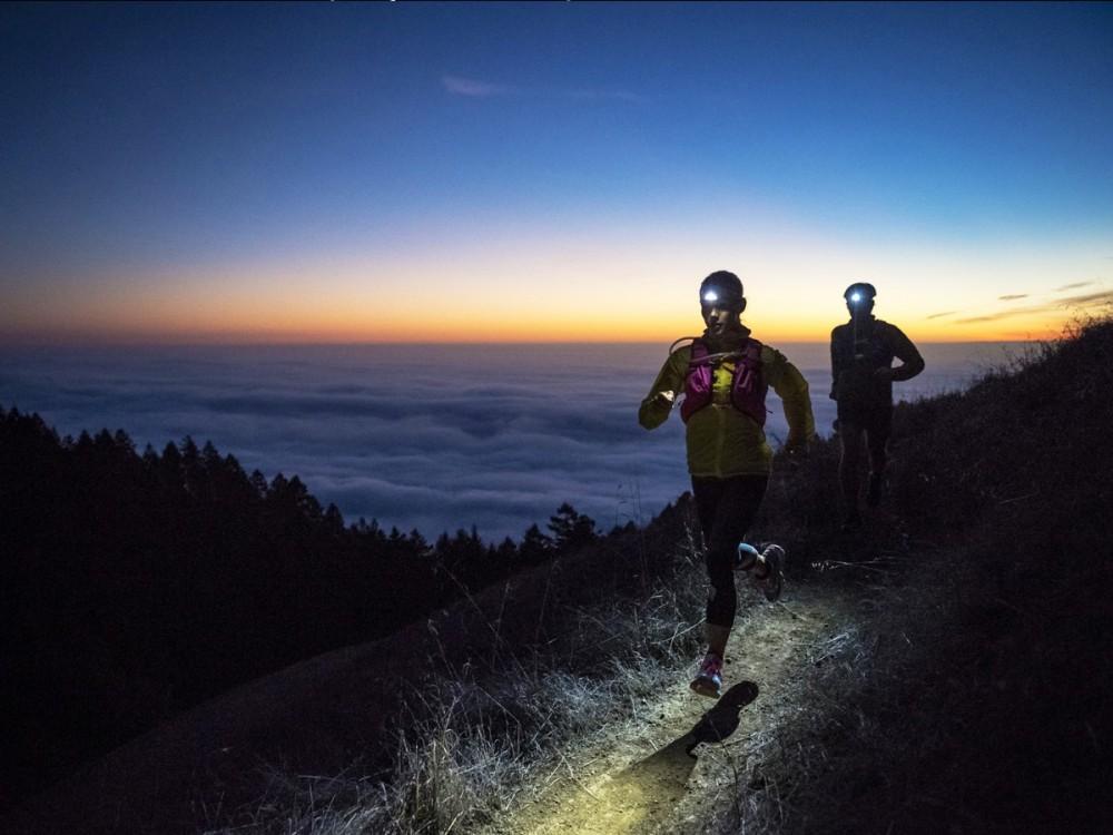 carrera luminosa luz frontal